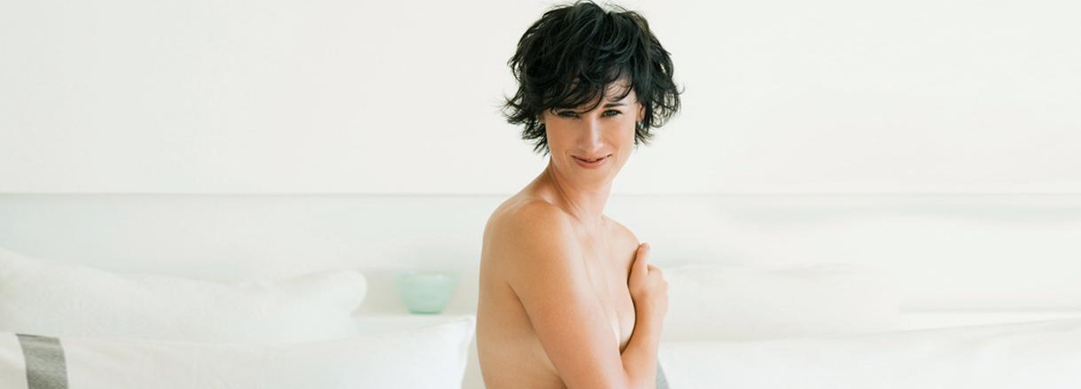Brustvergrösserung: Ist das Implantat unter dem Brustmuskel gefährlicher?